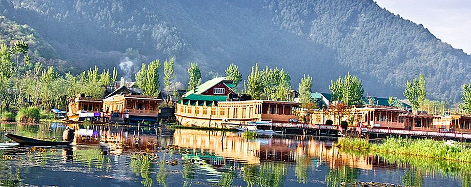 Story of Srinagar House Boats