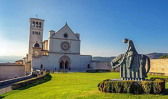 10 Top turističnih znamenitosti v Assisi & Easy Day Trips