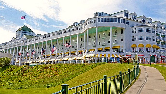 12 top-rated resorts in Michigan