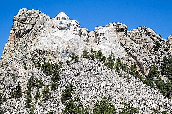 Kje ostati v bližini Mount Rushmore: Best Areas & Hotels, 2018